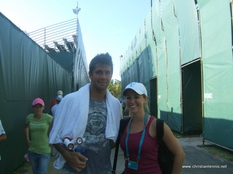 Melody Snelen takes a pic with Fernando Verdasco before his match with Andy Murray.  Thanks Fernando.