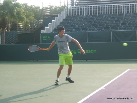 David hitting on Grand Stand court. So awesome for ICTA players to attend whole Sony Ericsson Open.
